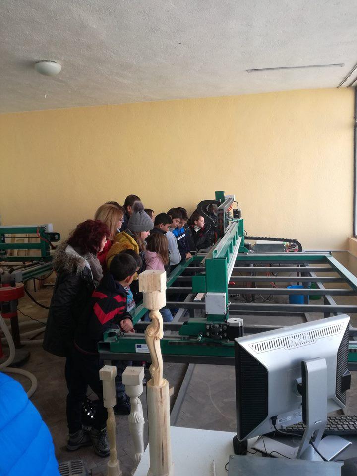 Ден на отворените врати в производствената база на социално предприятие Творителница за играчки в с. Могилица, община Смолян